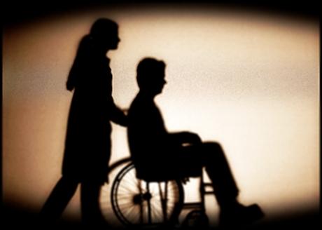 498346 A aposentadoria por invalidez deve ser requerida por pessoas com incapacidade física causada por doença ou acidente. Aposentadoria por invalidez: como requerer