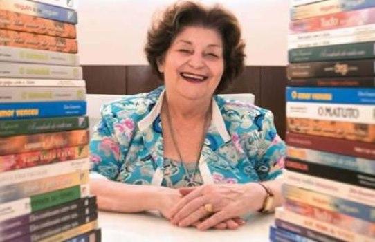 498376 Zibia Gasparetto %C3%A9 uma das autoras de livros esp%C3%ADritas. Livros espíritas famosos: dicas