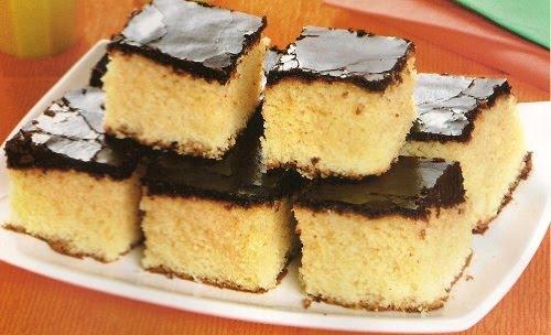 499086 bolo de laranja e chocolate 001 Bolo de laranja com calda de chocolate