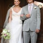 499709 Em 2009 no seriado House a Dra. Allison Cameron se casou com o Dr. Robert Chase com muito estilo. 150x150 Vestidos de noiva dos filmes: fotos