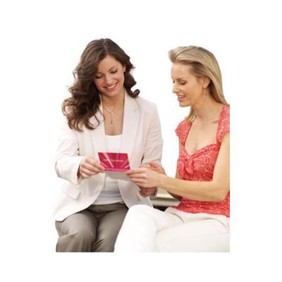 500070 Os cartões de crédito da Avon possuem muitos benefícios a todas as revenderas Fotodivulgação. Cartão de crédito da Avon, como pedir