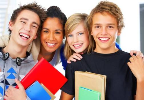 500207 Estudar é muit impotante. É dessa forma que melhoramos de vida. 11 de agosto: Dia do estudante