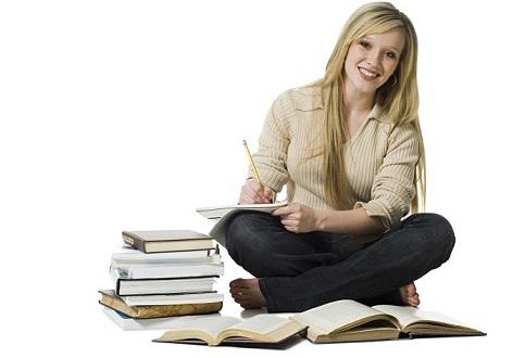 500207 O dia do estudante é uma data especial por homenagear todos aqueles que se esforçam para aquirir conhecimento. 11 de agosto: Dia do estudante