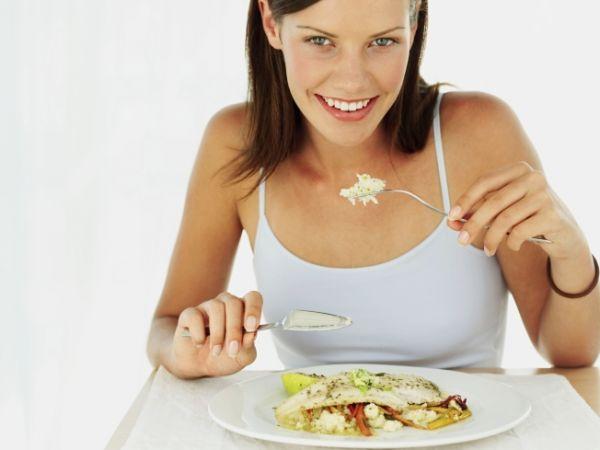 500760 A melhor maneira para combater o colesterol %C3%A9 mantendo uma alimenta%C3%A7%C3%A3o saud%C3%A1vel. Alimentos que diminuem colesterol