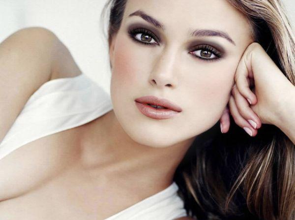 500999 A maquiagem preta %C3%A9 uma %C3%B3tima aliada para as mulheres. Maquiagem escura: cuidados ao fazer