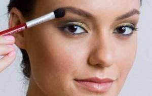 Maquiagem escura: cuidados ao fazer