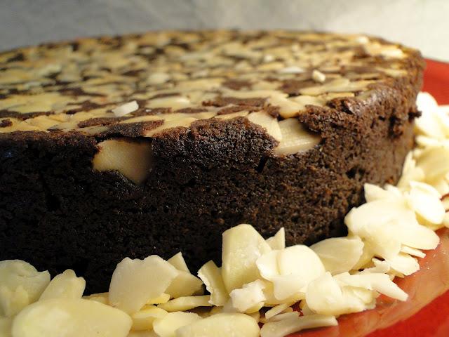 501153 Bolo de chocolate com amêndoas 2 Bolo de chocolate com amêndoas