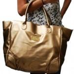 501617 As bolsas douradas vem conquistando mulheres de todo o mundo. 150x150 Bolsas douradas   modelos, fotos