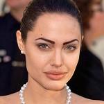 501712 A glamorosa Angelina Jolie dexou as sobrancelhas muito marcadas e artificiais. 150x150 Famosas, erros na maquiagem