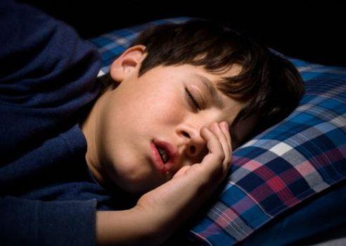 501766 Crianças que roncam alto tem maior risco de problemas comportamentais 1 Crianças que roncam alto tem maior risco de problemas comportamentais