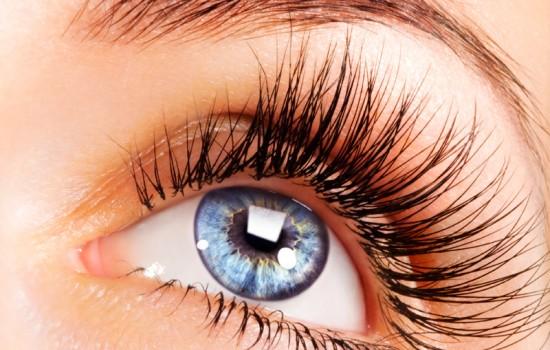 501982 Os cílios ajudam a proteger os olhos e dão ainda mais beleza ao olhar Fotodivulgação. Como fazer os cílios crescerem