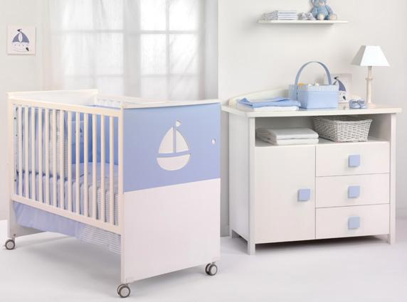 502114 Prezar pela higiene do quarto da criança é fundamental. Alergia em crianças: como prevenir