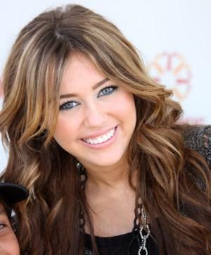 502259 Novo corte de cabelo de Miley Cyrus.2 Novo corte de cabelo de Miley Cyrus