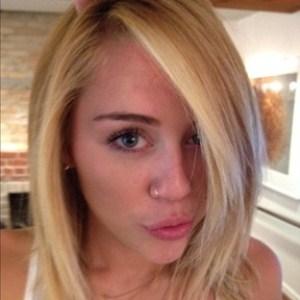 502259 Novo corte de cabelo de Miley Cyrus.3 Novo corte de cabelo de Miley Cyrus