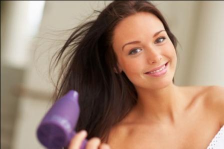 502455 Existem vários tipos de secadores disponíveis no mercado porém alguns não promovem resultados eficazes aos cabelos Fotodivulgação. Secador ideal para cada tipo de cabelo