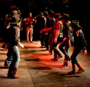 503345 Folclore danças típicas.2 Folclore: danças típicas