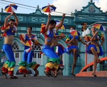 503345 Folclore danças típicas.4 Folclore: danças típicas