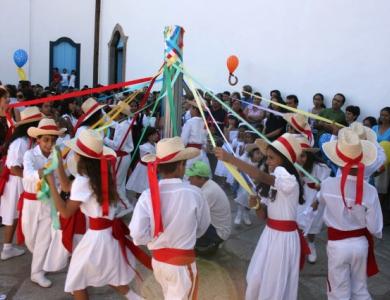 503345 Folclore danças típicas.5 Folclore: danças típicas