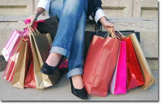 504062 É possível fazer compras de diversos produtos sem sair do conforto do seu lar. Sites para compra de roupas no exterior