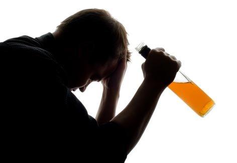 504587 O alcoolismo é um grave problema social. Licença médica para tratar alcoolismo