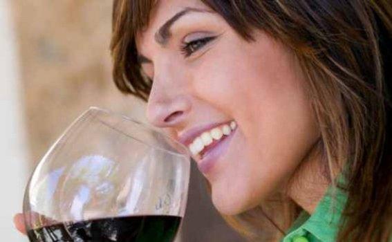 504870 Casamento faz mulheres consumirem mais bebidas alcoólicas 2 Casamento faz mulheres consumirem mais bebidas alcoólicas