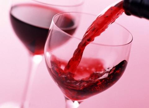 504877 Componente do vinho tinto melhora o equilíbrio de idosos Componente do vinho tinto melhora o equilíbrio de idosos