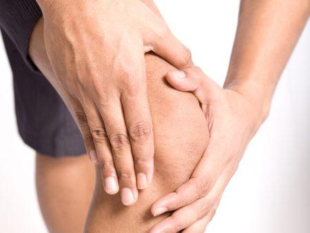 507002 O principal sintoma é dor e inchaço do joelho. Cisto de Baker: o que é, como tratar