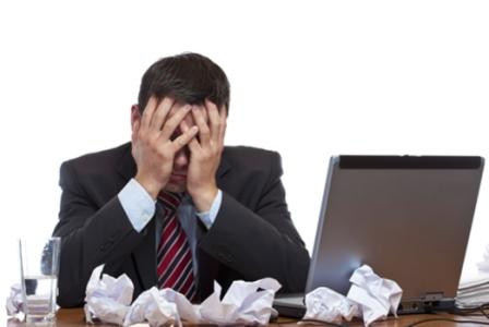 507413 O estresse financeiro pode atrapalhar o desempenho no trabalho Fotodivulgação. Estresse financeiro: o que é, sintomas