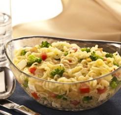 507688 nissin lamen sabor legumes com brocolis e queijo branco Receitas com miojo