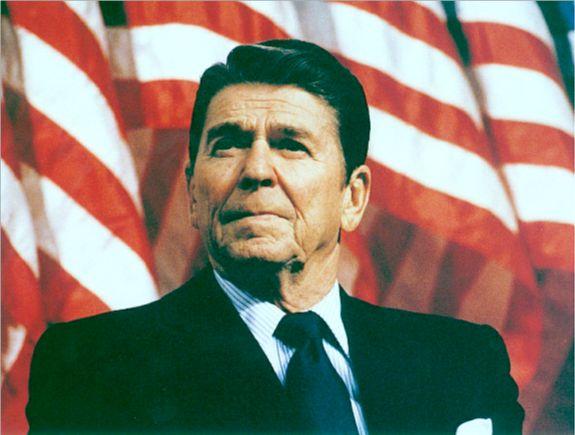 508780 O ex presidente Ronal Reagan é um dos famosos que sofreu Alzheimer Fotodivulgação. Famosos que sofreram com Alzheimer: Fotos