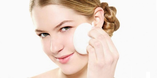 508896 22 02 11 06 demaquilante Truques de maquiagem para pele oleosa