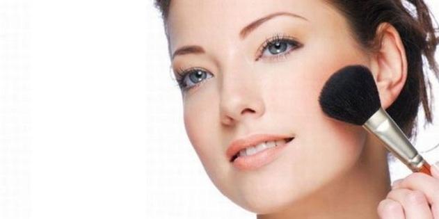 508896 420434 Dicas de maquiagem para pele oleosa 2 Truques de maquiagem para pele oleosa