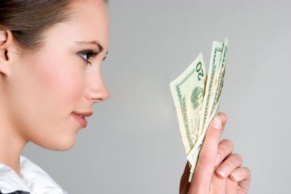 510262 Compre sempre o necessário. foto divulgação Dicas de economia para morar sozinho