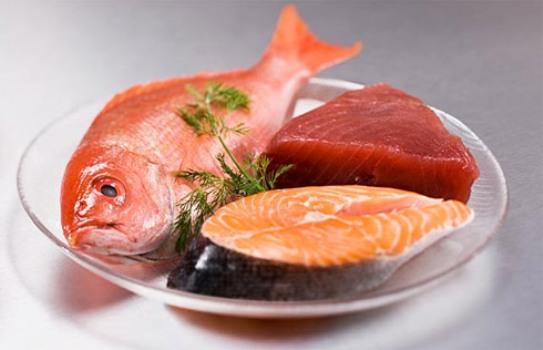 513533 Comer peixe melhora a leitura das crianças diz pesquisa Comer peixe melhora a leitura das crianças, diz pesquisa