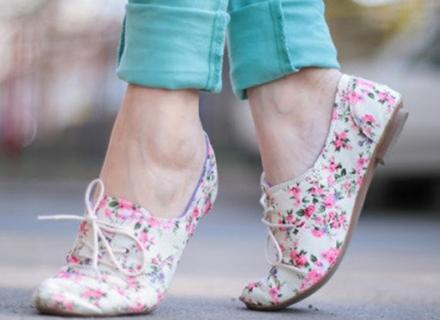 514474 As sapatilhas florais podem ser usadas de diversas formas Foto divulgação. Sapatilhas florais: dicas, como usar