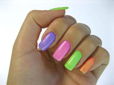 514691 Esmaltes com cores neon dicas tendências.4 Esmaltes com cores neon: dicas, tendências