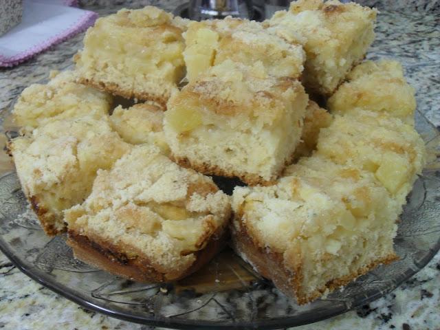 515408 cuca de abacaxi 2 Receita de Cuca de abacaxi