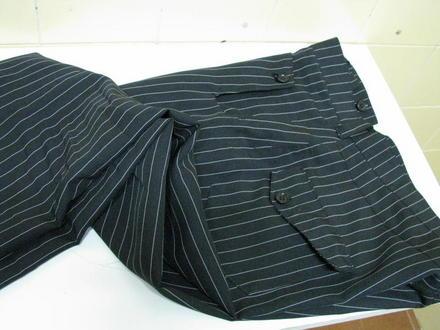 515466 As calças risca de giz caem bem também no sexo masculino Foto divulgação. Calça risca de giz: dicas, como usar