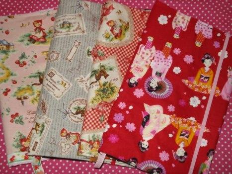 515595 Várias estampas de tecidos podem ser usadas para encapar livros Foto divulgação. Capa de livro com tecido: saiba como fazer