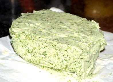 517035 Molho de manteiga com ervas 1 Receita de molho de manteiga com ervas