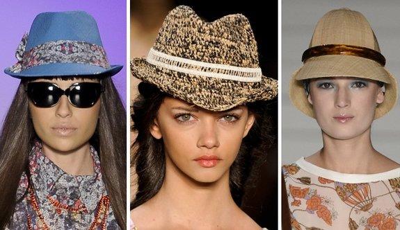 517404 Os chapéus estão entre as tendências da moda para o verão 2013. Foto  divulgação b5cdf289928
