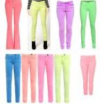 517424 As calças coloridas em neon prometem muito sucesso no verão. Foto divulgação 150x150 Modelos de calças para o verão 2013