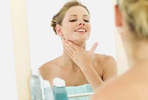 517432 Os adstringentes devem ser usados somente em peles oleosas ou mistas. Foto divulgação Adstringente para pele: como usar corretamente