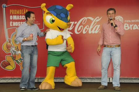 517710 promocao o mascote e nosso coca cola Promoção O Mascote É Nosso Coca Cola