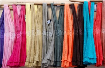 519422 Os vestidos coloridos farão muito sucesso no réveillon 2013. Foto divulgação Vestido coloridos Réveillon 2013: fotos
