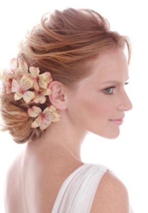 519814 Enfeitar cabelo com flores dicas fotos.4 Enfeitar cabelo com flores: dicas, fotos
