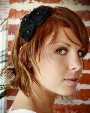 519814 Enfeitar cabelo com flores dicas fotos.5 Enfeitar cabelo com flores: dicas, fotos