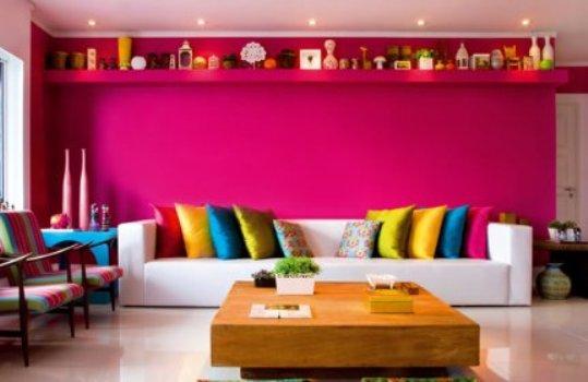 519911 As decorações coloridas são ótimas opções para sala de visitas. Foto divulgação Cores para sala de visitas: dicas, fotos