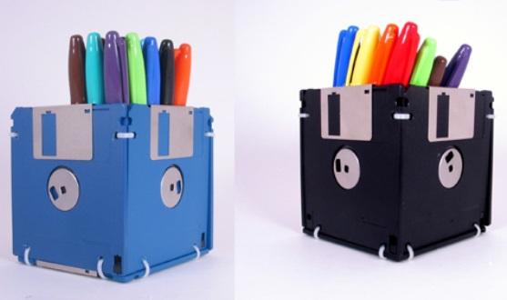 520421 Objetos de escritório feitos com materiais recicláveis Objetos de escritório feitos com materiais recicláveis