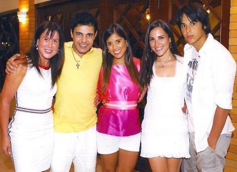522273 Zilú ex mulher de Zezé de Camargo posta foto de biquíni no Instagram Zilú, ex mulher de Zezé de Camargo posta foto de biquíni no Instagram